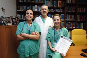 En la imagen los doctores Gómez, Pérez Navero y Tejero