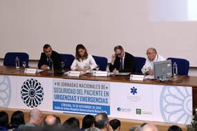 La Dra. Álvarez y el Dr. Tejedor en el acto inaugural de las Jornadas