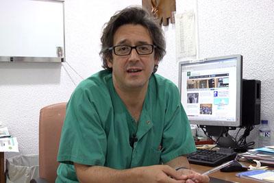 Fotograma del vídeo del óncologo Juan de la Haba