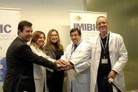 Justo Castaño, Marina Álvarez, Mª Angeles Luna, Enrique Aranda y Antonio Rodriguez en el IMIBIC