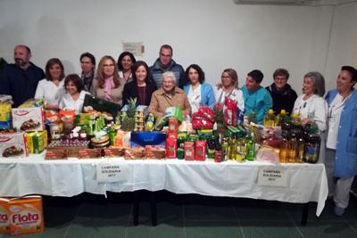 Cesta de Navidad donada por pacientes de Salud Mental a comedores sociales