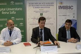 de izquierda a derecha: Dr. Antonio Llergo, Dr. Enrique Aranda y Dr. Justo Castaño