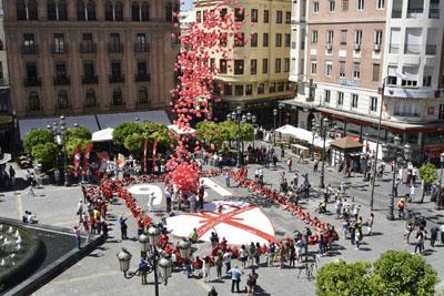 Suelta de globos en homenaje a los 961 donantes