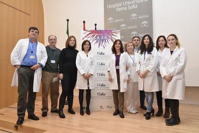 Valle García y profesionales de la UGC Aparato Digestivo en la inauguración de la I Semana de la EII