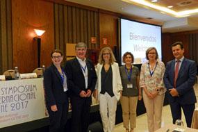 Foto de la inauguración del simposio con responsables y ponentes