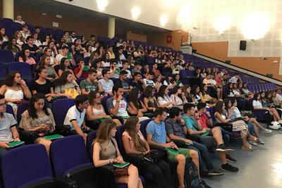 El Hospital da la bienvenida a unos 300 alumnos de Medicina, Enfermería y Fisioterapia