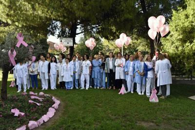 Profesionales y pacientes muestran su apoyo a las mujeres que acaban de ser diagnosticadas