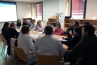 Una de las reuniones del Comité de Cáncer de Cabeza y Cuello del Hospital Reina Sofía