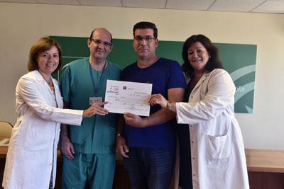 Entregan la donación del premio al colectivo de pacientes ostomizados