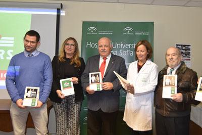 El consejero de Salud y Familias asiste a la presentación del calendario del hospital