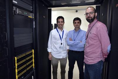 En la imagen, profesionales del equipo de TIC en el Hospital Reina Sofía