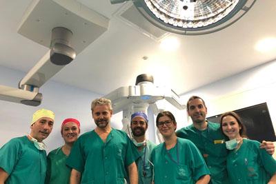 Profesionales que han participado en primera cirugía robótica en cáncer de laringe