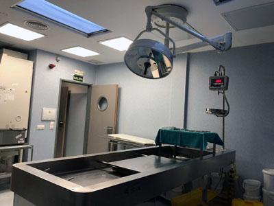 Sala de autopsias del HURS