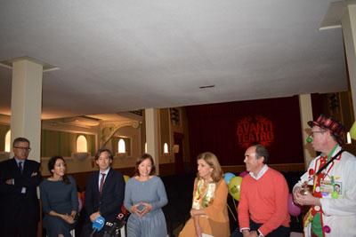 Valle García agradece la donación al hospital e IMIBIC
