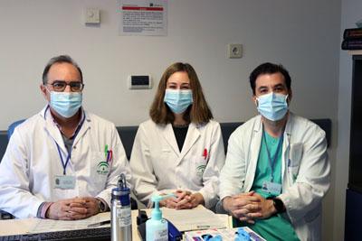 De izquierda a derecha los doctores Vélez, Baleato y Galán