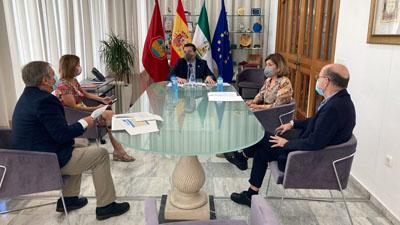 Valle García asiste a una reunión con el alcalde para trasladar la situación en el hospital por Covid-19