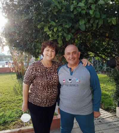 Araceli y Luis pueden salir a pasear durante la fase postrasplante