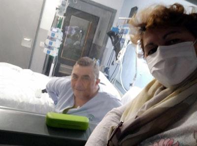 Luis ingresa en la unidad de trasplante para administrarle quimioterapia antes de la extracción de células madre