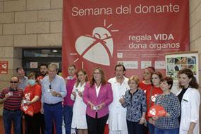 María Ángeles Luna, en el centro, durante la presentación decimocuarta Semana del donante
