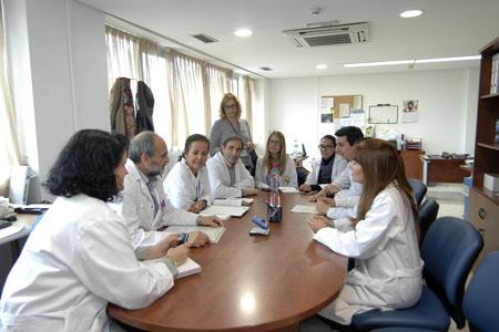 Sesión clínica del equipo multidisciplinar de Cuidados Paliativos