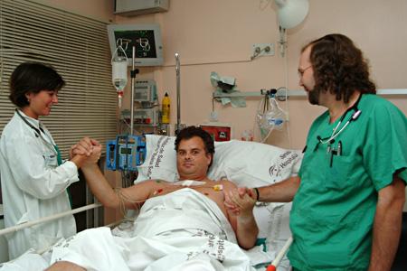 Consulta a enfermo hospitalizado en Medicina Intensiva