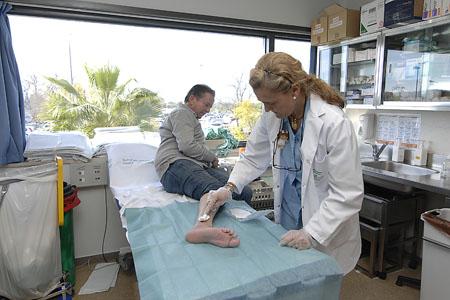 Consultas externas, enfermería sala de curas