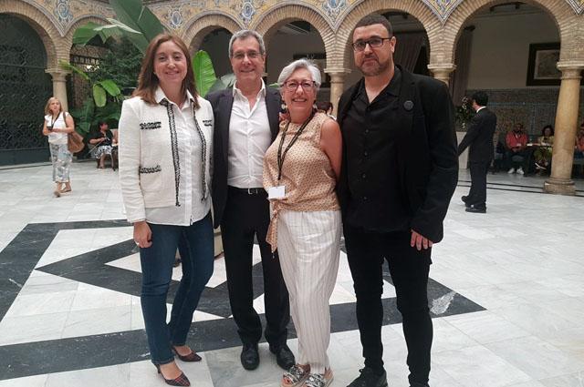 Los subdirectores de Enfermería del hospital junto al presidente y la secretaria del VI Congreso Iberoamericano de Enfermería