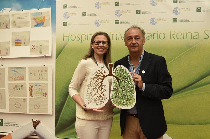 Teresa Justo y Pedro López promueven una vida sana sin humos