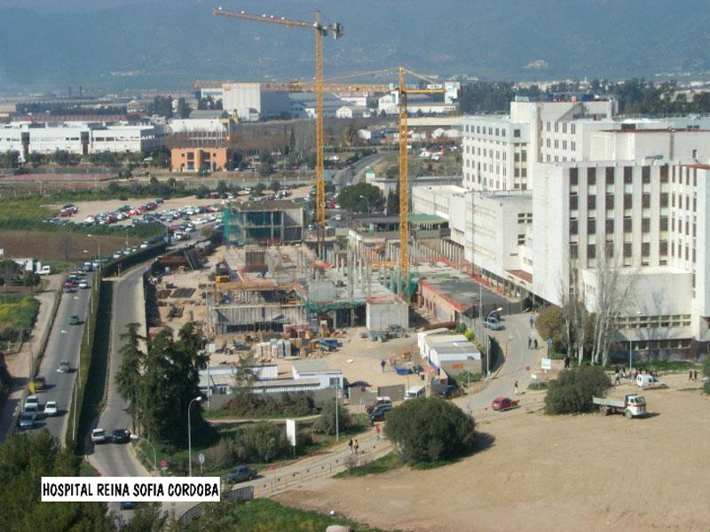 El Edificio de Consultas va tomando cuerpo. 2000