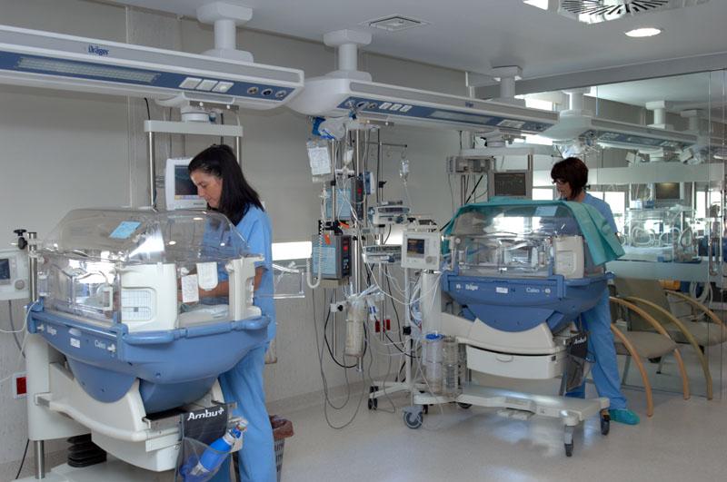 Enfermeras en neonatos. 2009
