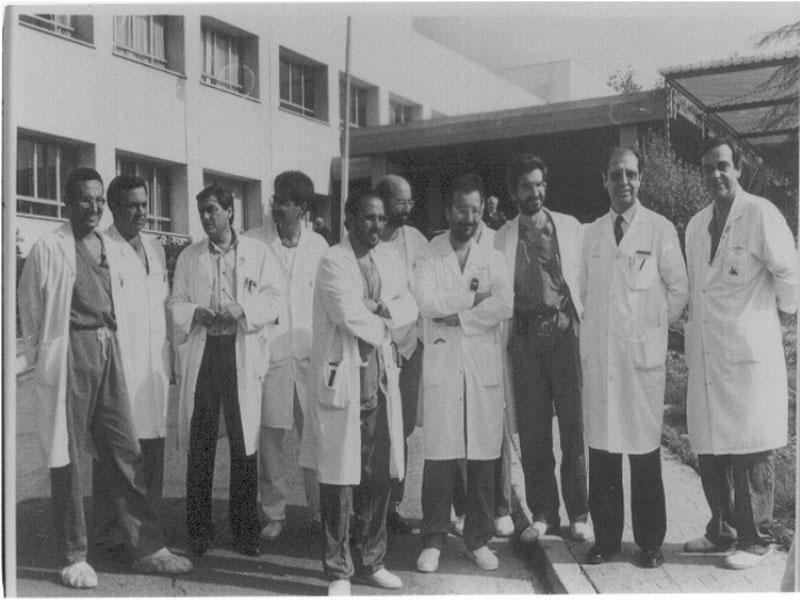 Equipo médico clave en el primer trasplante de pulmón. 1993