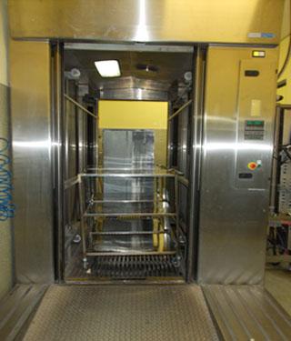 Tren de lavado carros de trasporte material quirúrgico y carros auxiliares