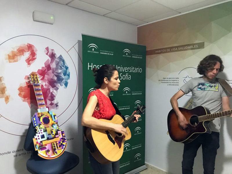 Actuación de Gloria Ariza y Víctor González