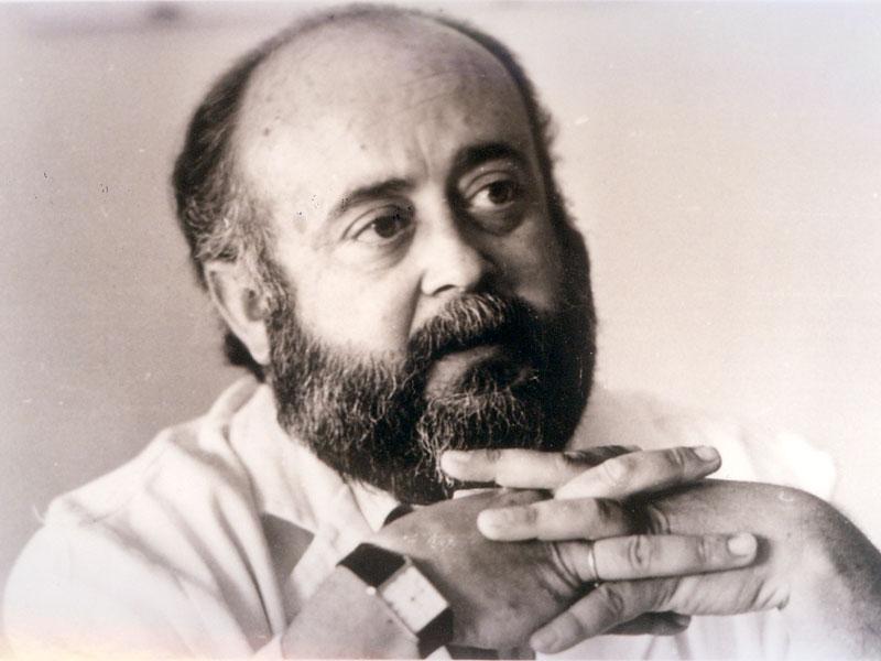 Gabriel Pérez Cobo, quien fuera director gerente. 1994