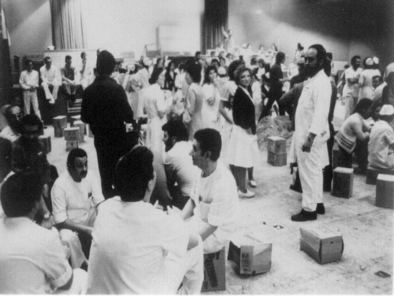 Huelga histórica en el salón de actos del Hospital General. 1985