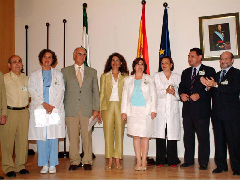 La viceconsejera de Salud Mª Jesus Montero, en el acto del reconocimiento a los profesionales. 2003