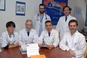 Autores principales del trabajo premiado y responsables de Medicina Interna
