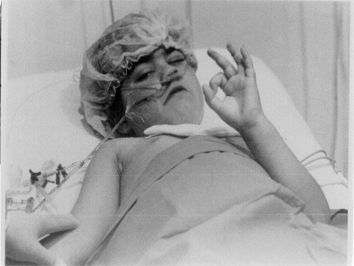 Primera niña que recibió un trasplante de hígado en el Reina Sofía. 1992