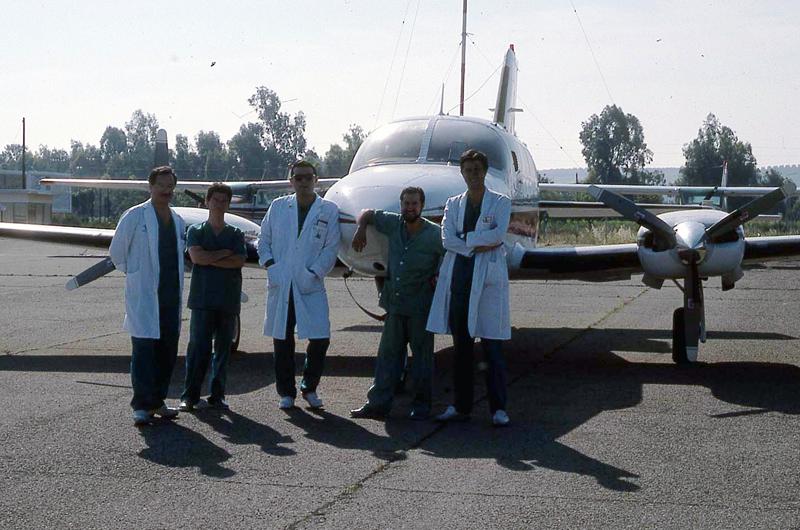 Profesionales del hospital viajan a por un órgano. 1990