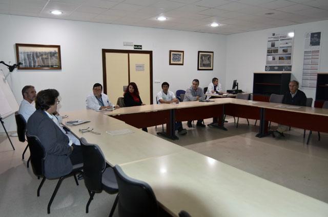 Profesionales del grupo durante la reunión