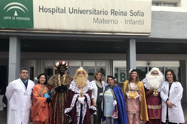 Los Reyes Magos visitan el hospital