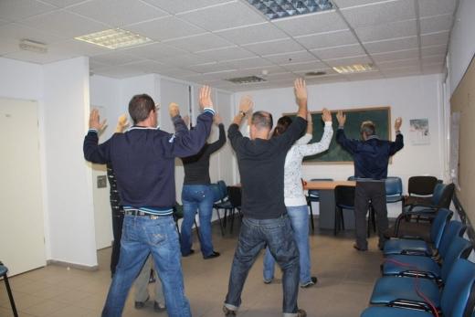Pacientes de Salud Mental hacen gimnasia en las instalaciones del centro