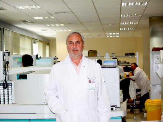 Javier Tronchoni es el Coordinador de los Laboratorios del Hospital
