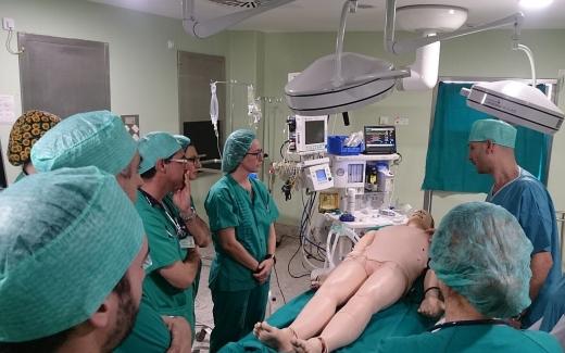 Una veintena de anestesiólogos del Hospital Regional