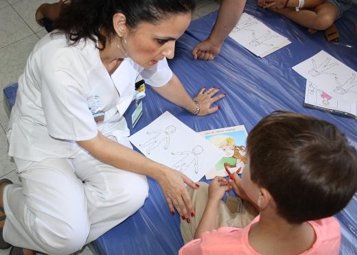 Casi un centenar de menores han participado ya en los talleres terapéuticos