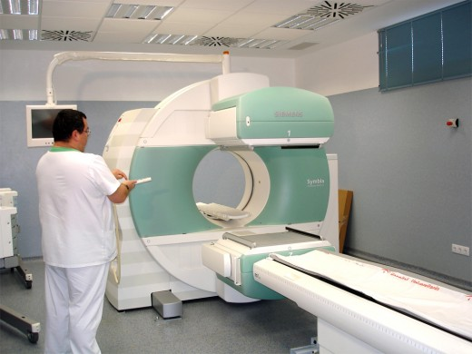 Una de las salas de Gammacámara de la unidad de Medicina Nuclear del Hospital