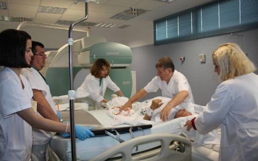 Profesionales de Enfermería del Hospital Virgen de la Victoria mejoran los facto