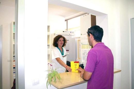 Los pacientes son atendidos en una consulta externa