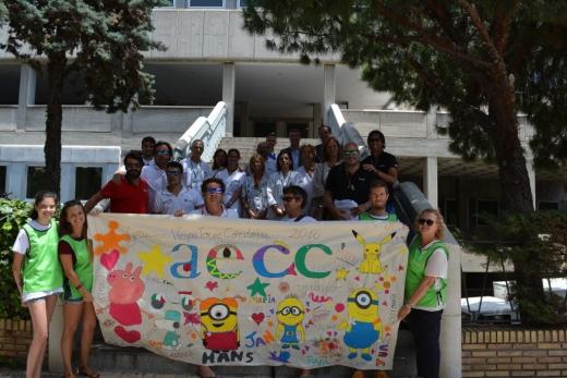 Pancarta confeccionada por los niños de agradecimiento a Vespa Tour Córdoba