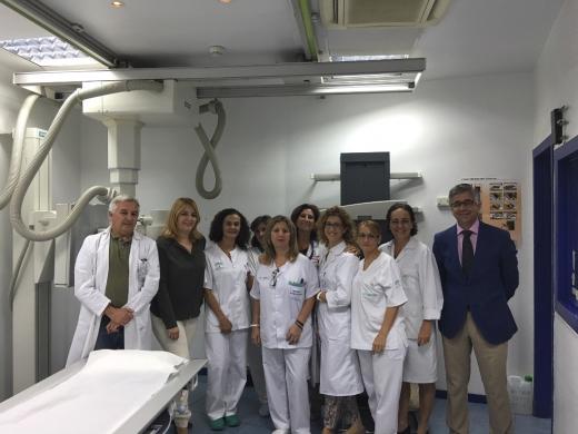 Profesionales de Radiodiagnóstico en la visita de la Delegada de Salud
